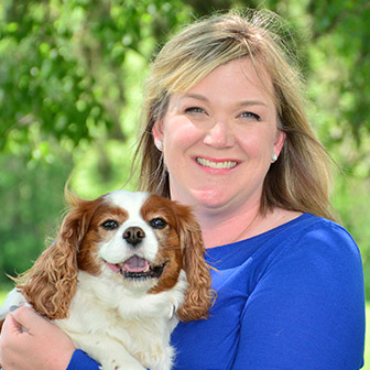Meet Dr. Angie Gearhart, Veterinarian at Iowa Veterinary Wellness Center